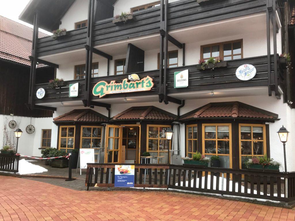 Außenansicht Hotel Hapimag mit Restaurant Grimbards