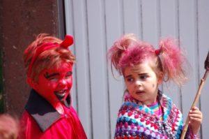 Kleine Hexen und Teufel sollen trotz der aktuellen Situation bei einem kleinen Kinderprogramm coronakonform auf ihre Kosten kommen