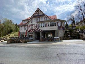 Frontansicht Villa Bodeblick