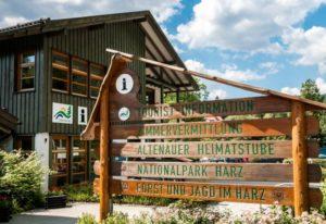 Gäste werden im Oberharz u.a. in der Tourist-Information Altenau beraten