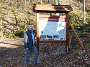 Alter Grauwacke-Steinbruch erhält Geopark-Informationstafel