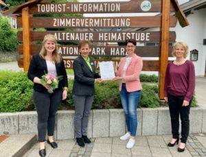 """Tourist-Information Harz Welcome Center erhält Zertifikat """"Harz-Information"""""""